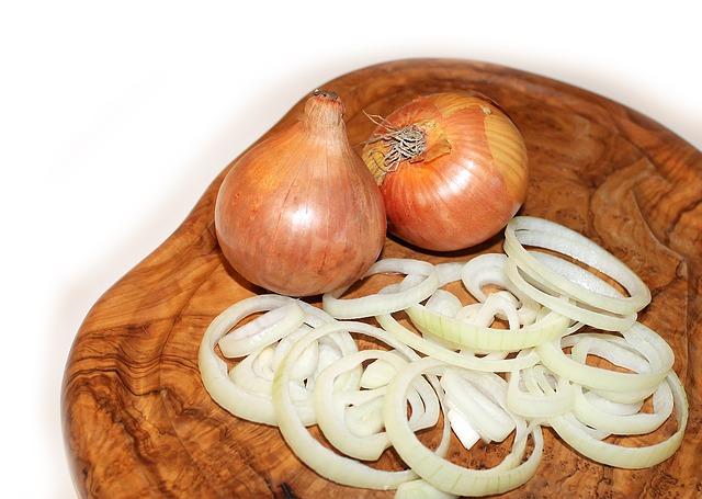 Sterilovaný cibulový salát recept