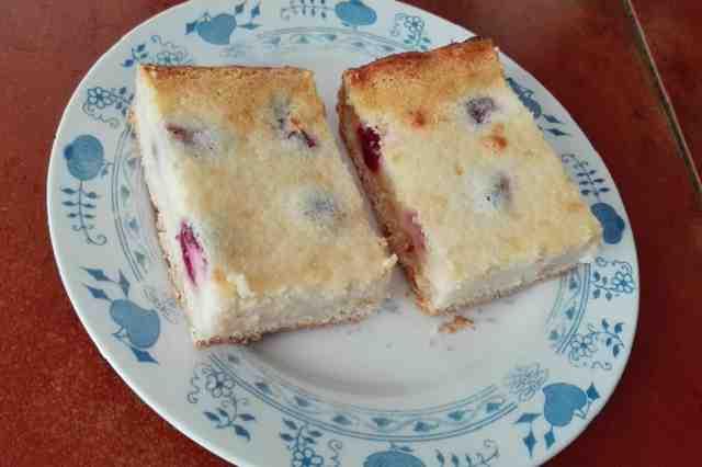 Třešňový koláč s tvarohem
