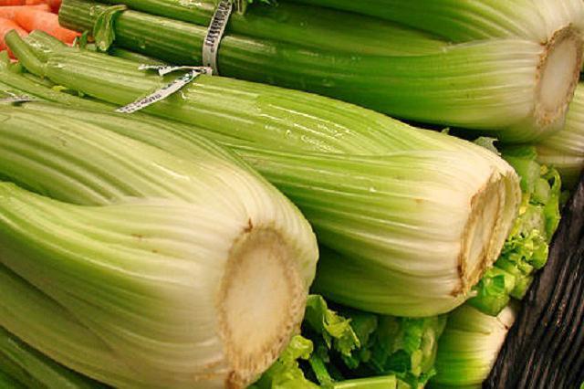 Řapíkatý celer a co obsahuje tato zdravá zelenina