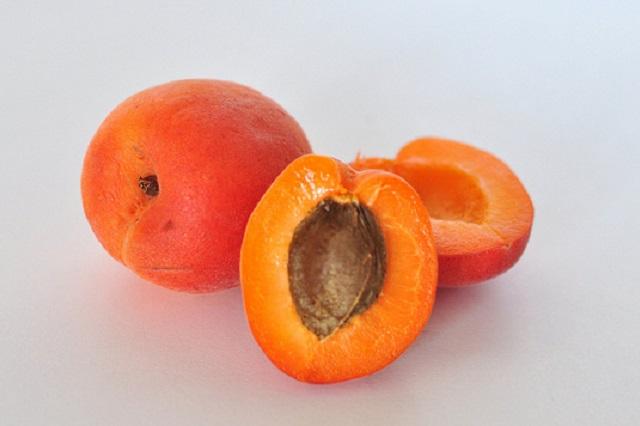 Jak zmrazit meruňky - postup