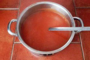 Rajská omáčka - recept z rajského protlaku nebo čerstvých rajčat